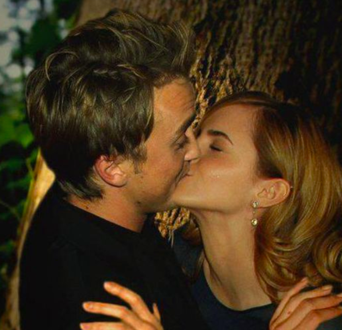 Photos Emma Watson Dating Tom Felton Secretly Confirmed Insta Chronicles