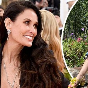 Demi Moore posted a photo on instagram in which she is looking gorgeous: keep reading to know more about her outfit