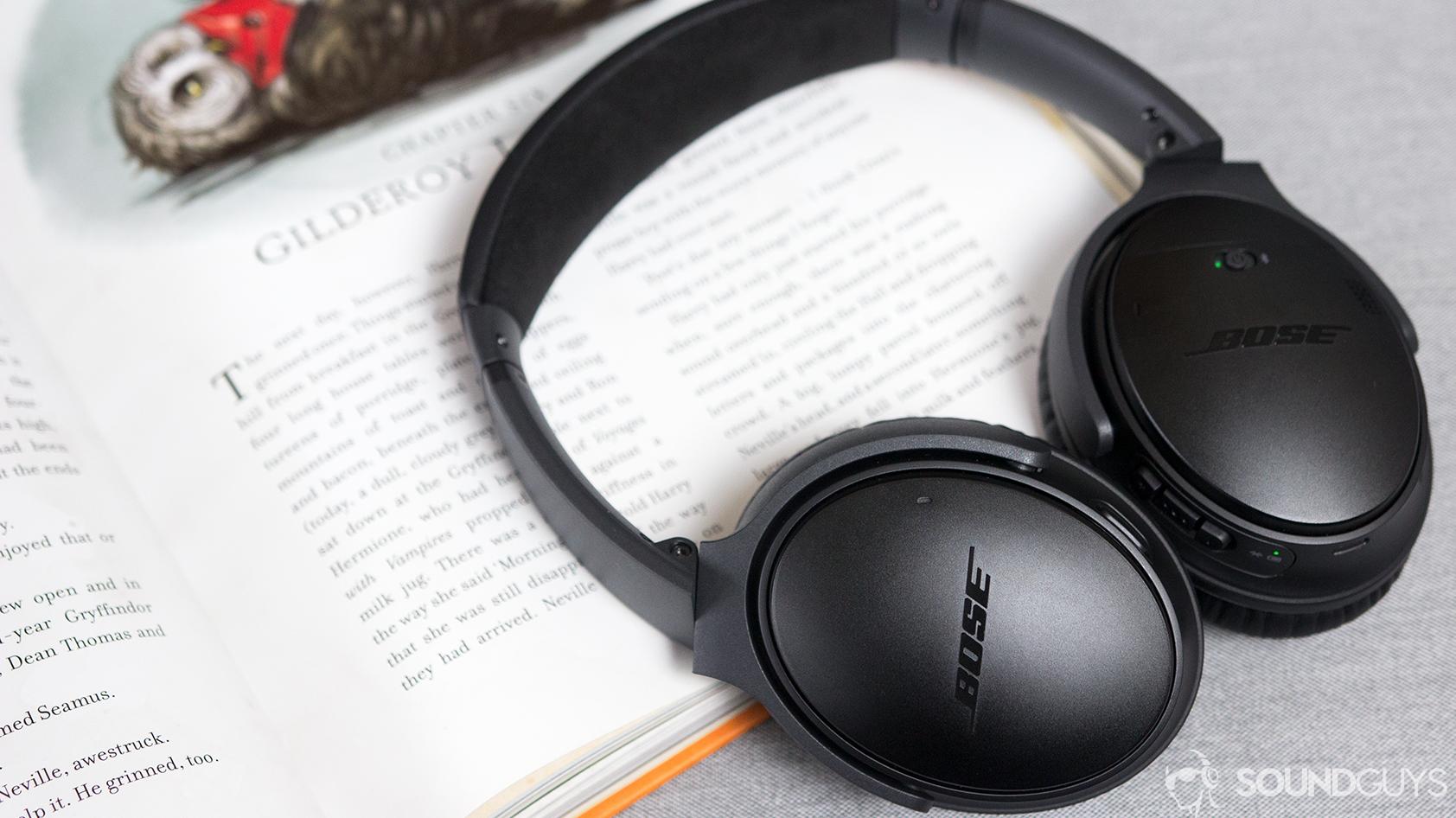 Bose Soundlink around-ear Wireless Headphones II vs QC35
