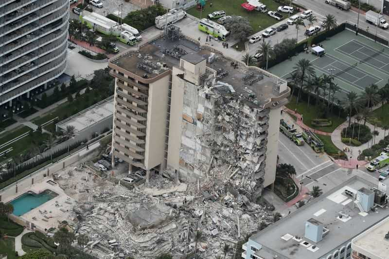 1 dead, More than 99 People Unaccounted for After Florida condo collapse, Death Toll expected to be more, Many Missing