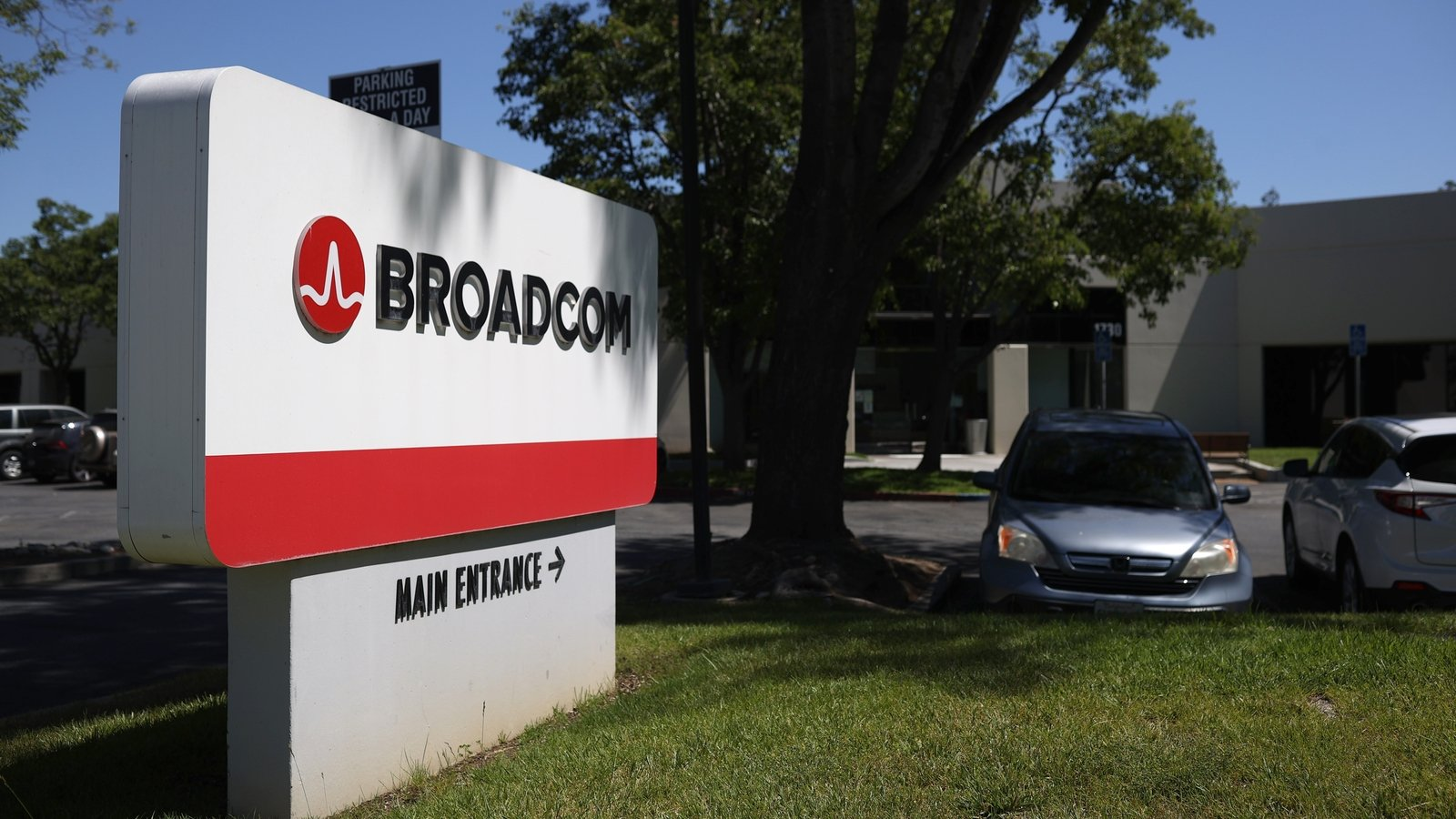 Broadcom is About to Buy SAS? In Talks To Buy Big Data Analytics Giant SAS Institute [UPDATED]