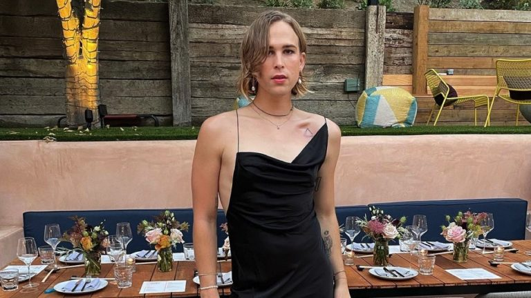 Tommy Dorfman Revealed that She is Transgender! Her Crush from 13 Reason Why? Relationship!!