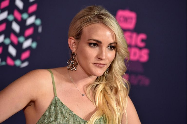 JAMIE LYNN SPEARS SO TEARFULLY TALKS TO DAUGHTER, HOW IT EFFECT HER!